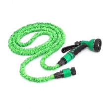 Relaxdays Flexibler Gartenschlauch mit Sprühpistole Grün Bild 1