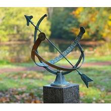 Sonnenuhr, Bronzeguss Bild 1