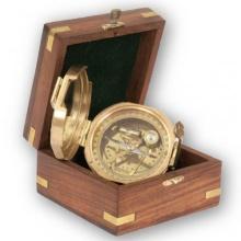 Schiffskompass Peilkompass,mit Holzbox, TRINIDAD,K u R Bild 1